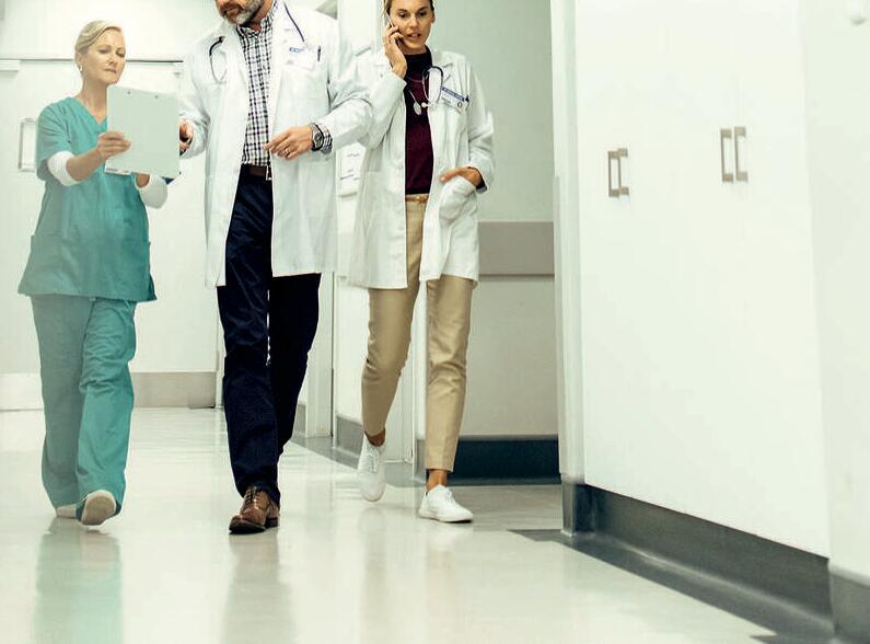 gesundheitswesen-personal-krankenhaus-aerzte-795x588