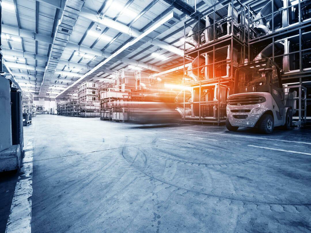 Lagerhalle eines Industrieunternehmens